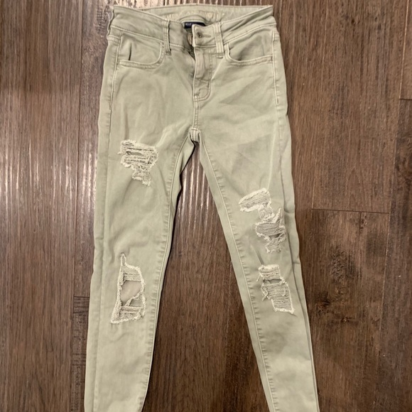 American Eagle girls / women jeans